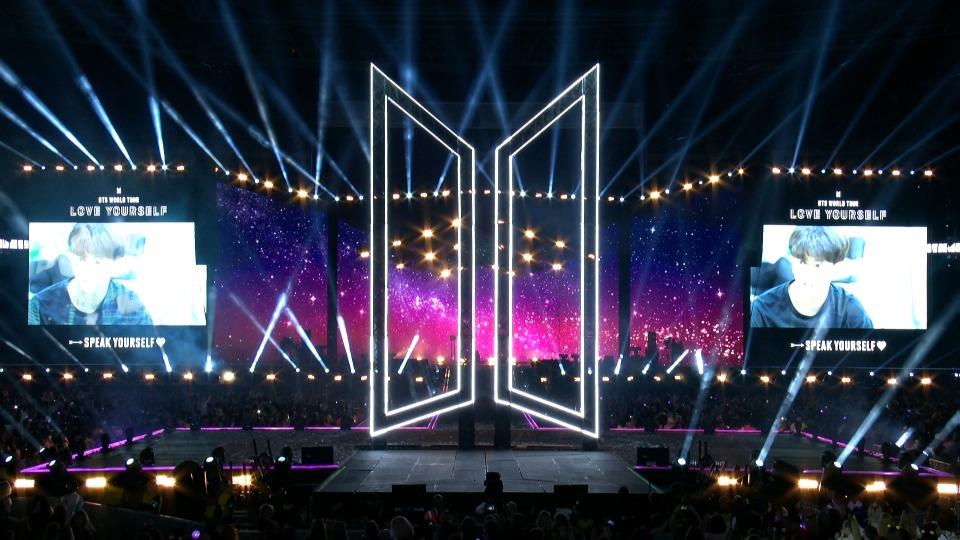 BTS - World Tour at Wembley Stadium (4)