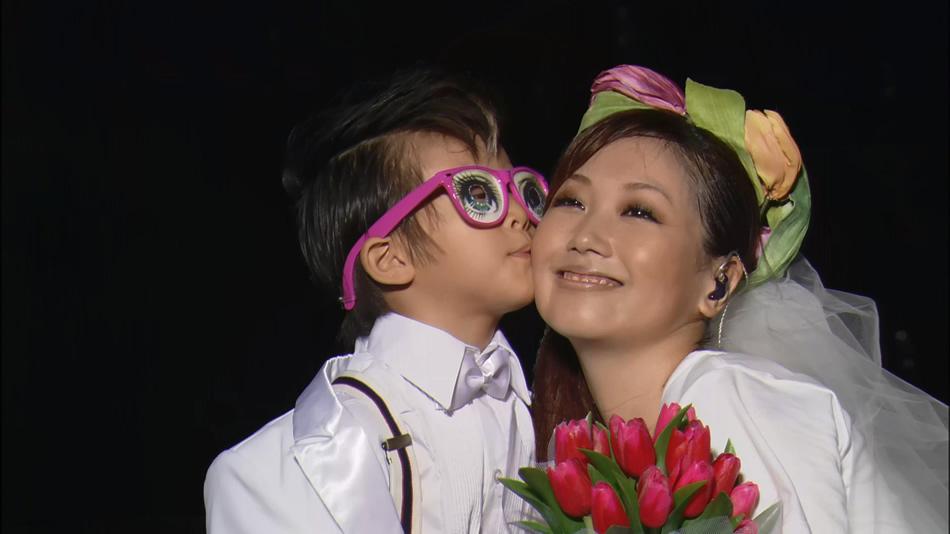 2929.大冢爱.Ai-Otsuka-Love-is-Born-7th-Anniversary-2010.7周年纪念演唱会.34.6G.1080P蓝光原盘.DengShe.com_.3